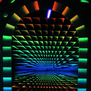 blacklight-minigolf